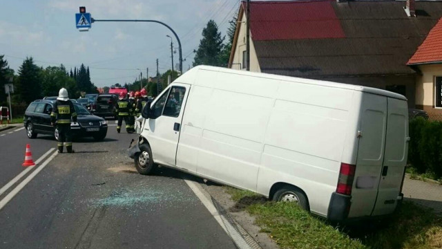 Zdarzenie drogowe na DK52 w Bulowicach. ZDJĘCIA !