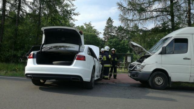 Zderzenie samochodu dostawczego z Audi A6 w Kętach. ZDJĘCIA !