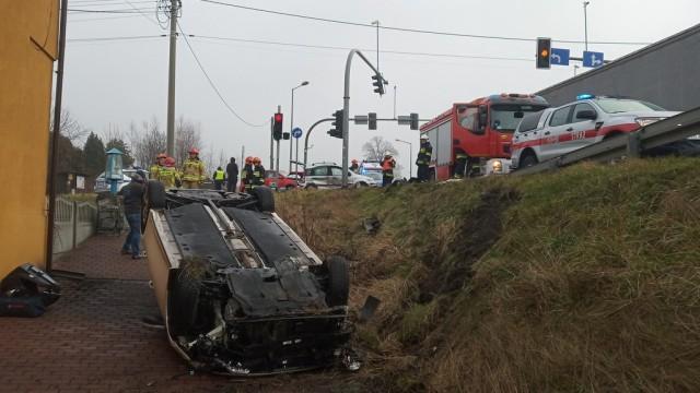Zderzenie trzech samochodów. Utrudnienia w Chełmku