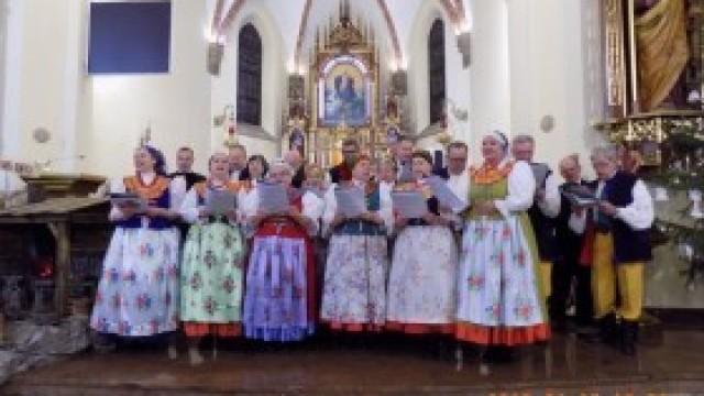 """Zespół Pieśni i Tańca """"Kęty"""" na Festiwalu Kolęd i Pastorałek"""
