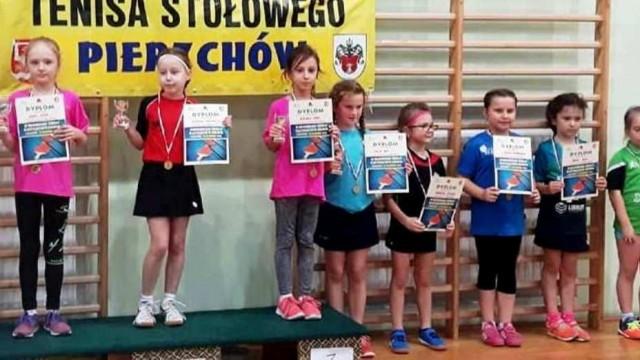 Zuzanna Piekarczyk wygrała pierwszy turniej klasyfikacyjny skrzatek